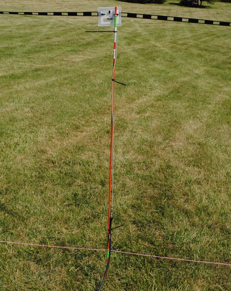 Center stake of mastless 40m dipole
